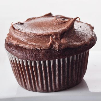 choco-sour-cream-cupcakes-hl-1981656-x